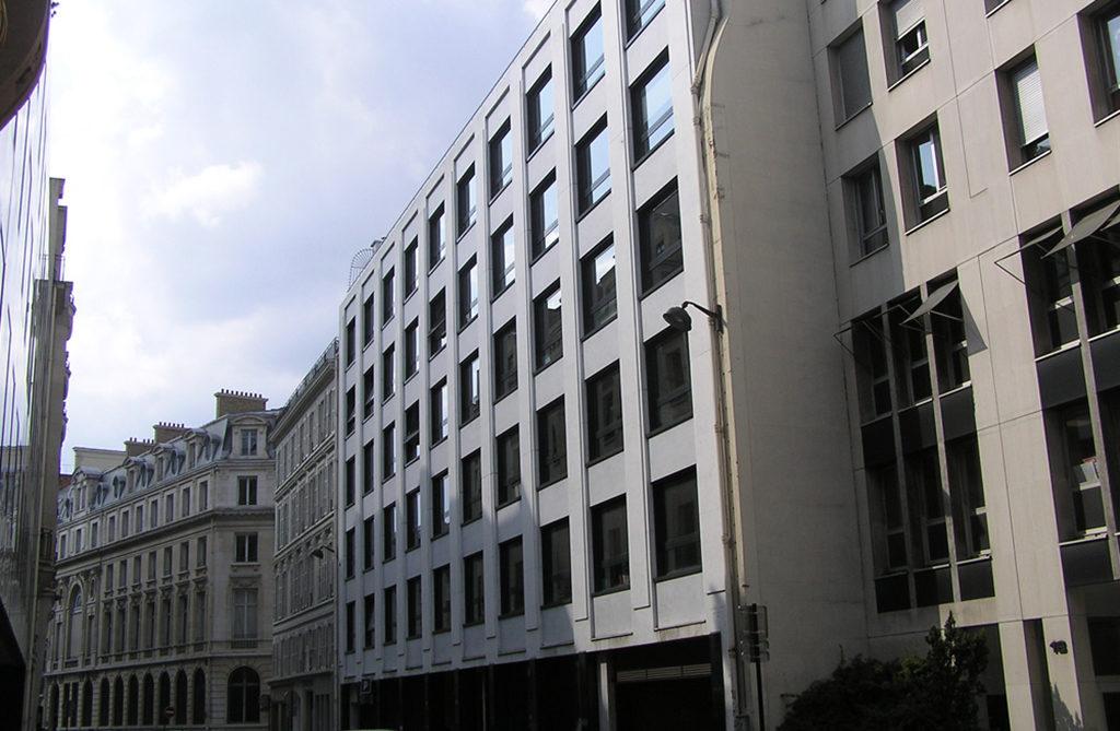 S2t r novation d un immeuble de bureaux rue de la ville for Immeuble bureaux hqe